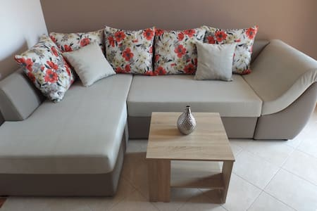 Nice Apartment for 4- great price!! - Makarska - Daire