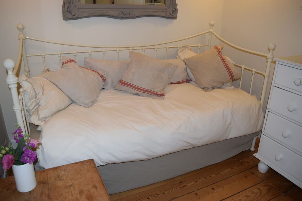single room day bed with full size mattress