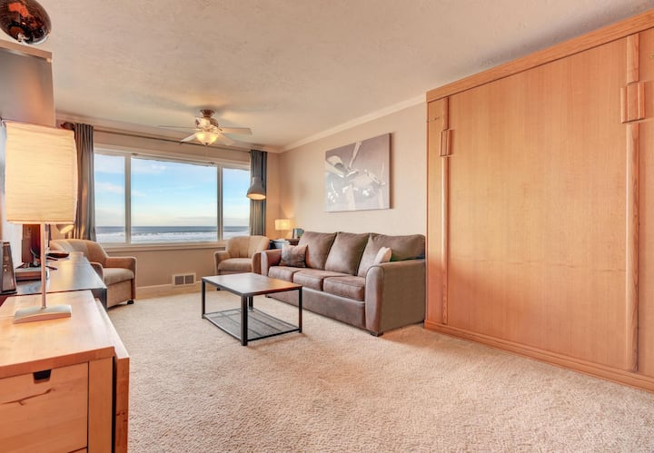 The Beachelor Pad has Beach Views!