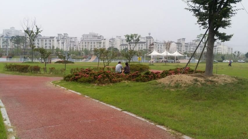 도심속의 낭만이 흐르는아담한 하우스 - Gwangsan-gu - Lejlighed