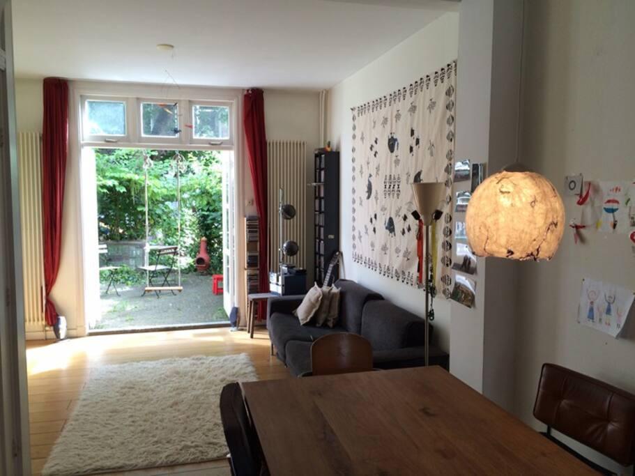 huiskamer met tuin