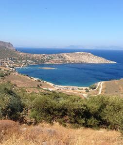 Visit Athens, Stay by the Sea - Porto Rafti - Haus
