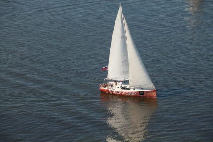 Яхта Ветер