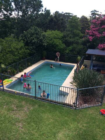 Summer Family Home with pool - South Turramurra - House