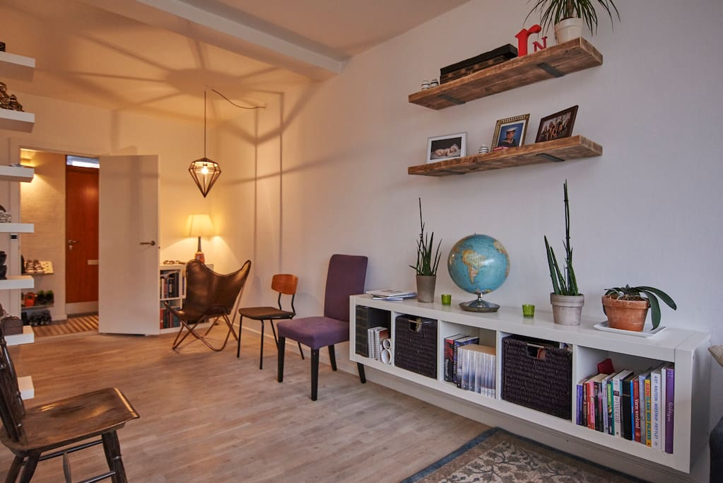 Living room area, enjoy the cosy evenings here.