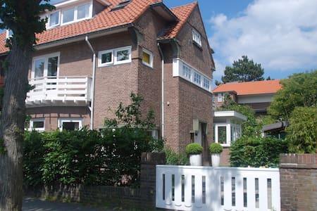 Family Beach house - Den Haag