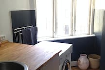 Kitchen + washing machine