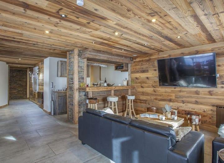Splendid chalet with private sauna