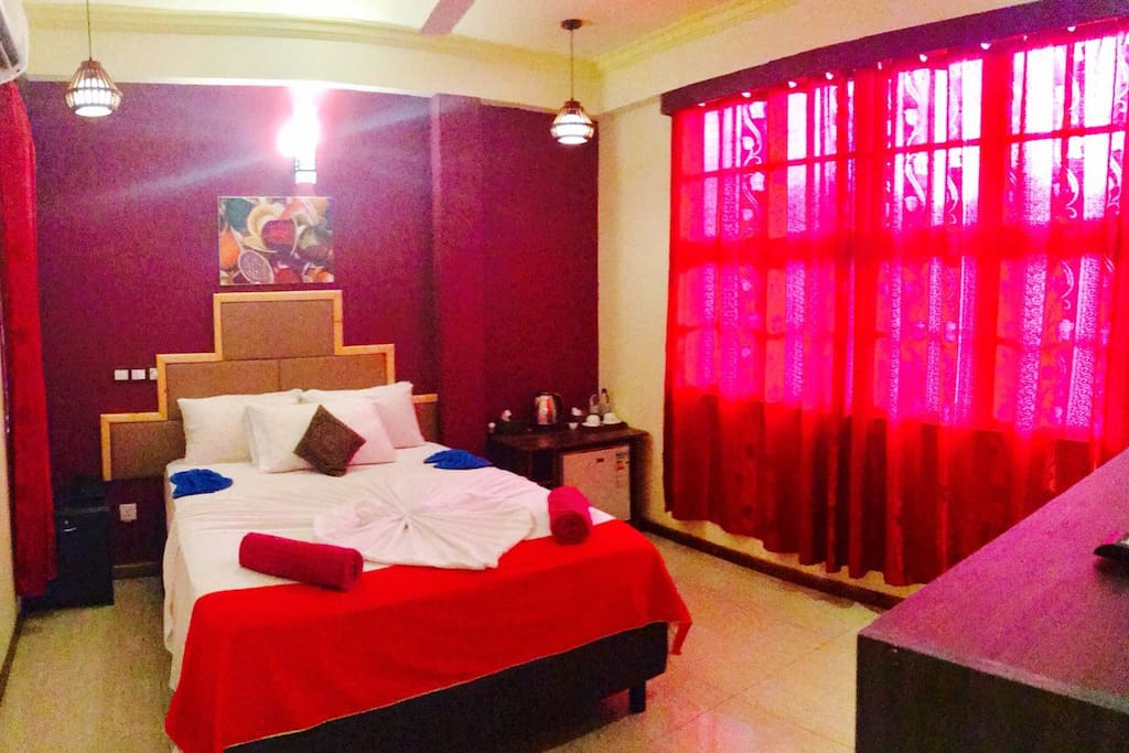 Budget rooms near airport hulhumale maldives bed for The family room hulhumale