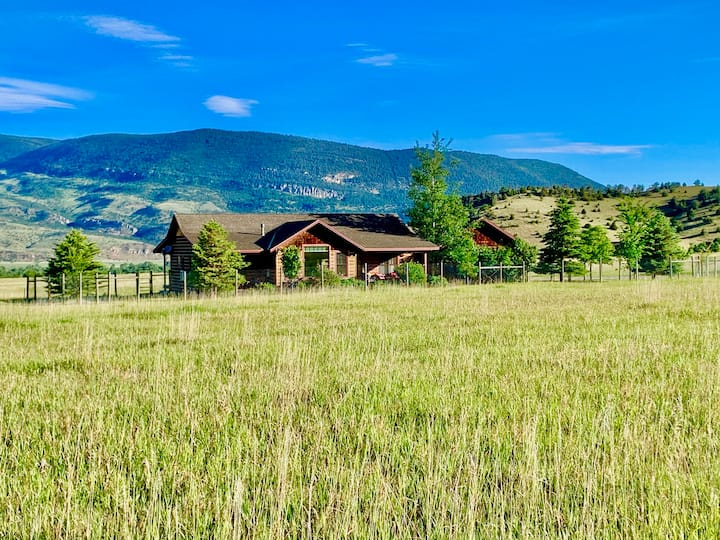 A hideaway of dreams for extended stays ...  along the Yellowstone River| 3 Bedroom, 2 Bathroom