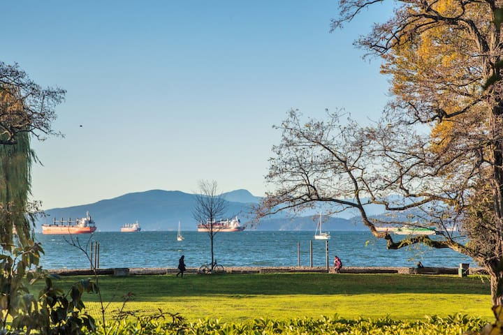 WATERFRONT KITS BEACH HOUSE - Vancouver - House
