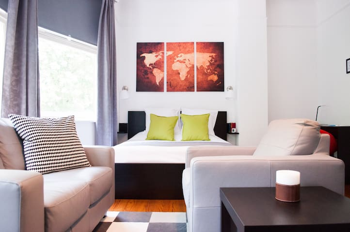 L'Hermitage Guest Room - Ixelles - Bed & Breakfast