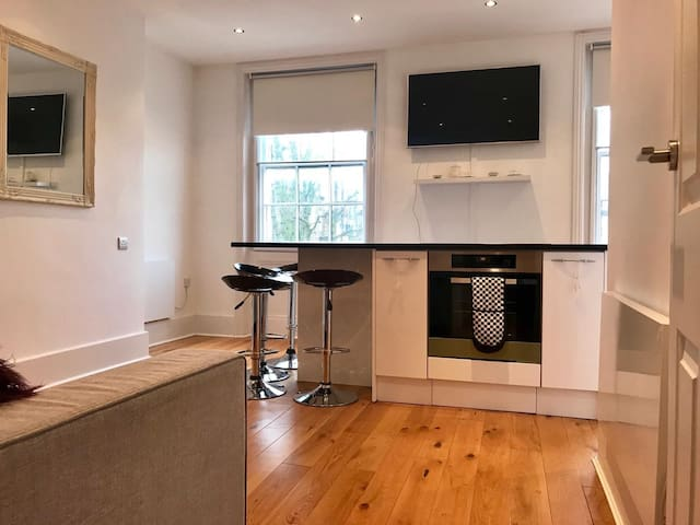 A Stunning one bedrooom Aparment in Primrose Hill