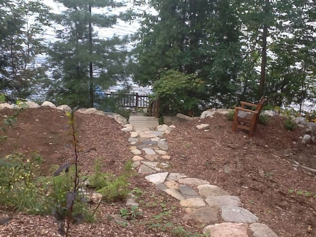 Lovely cottage on Haliburton Lake - Dysart and Others