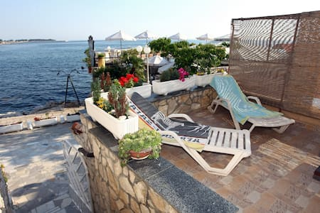 ES1 Lovely Apartment at the Beach - Umag - Daire