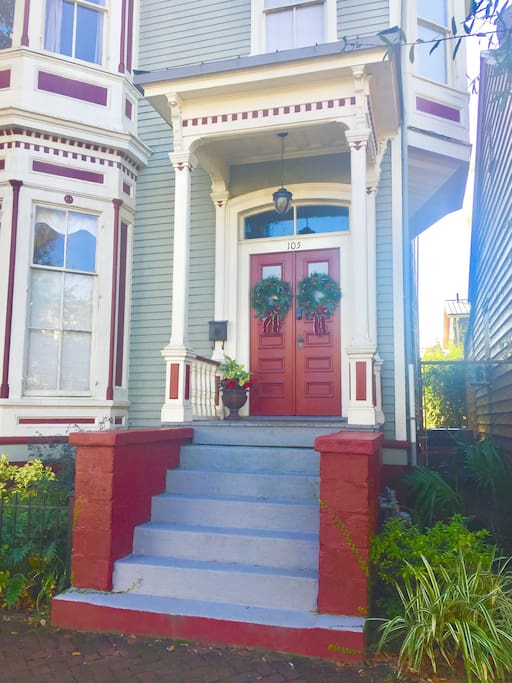 1886 Victorian Italianate. Second Floor apartment, 1650 Square Feet with private parking and courtyard.