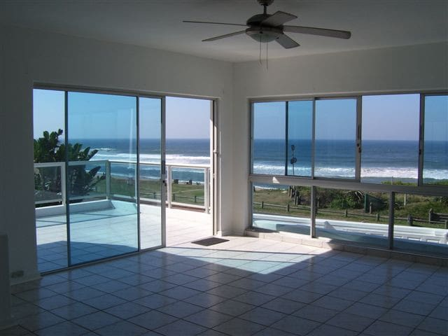 Beach House to rent; Self catering - Bluff  - Hus