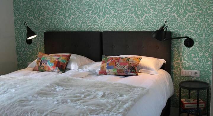 "Villa Adélaïde, chambre ""Agathe"", Chimay"