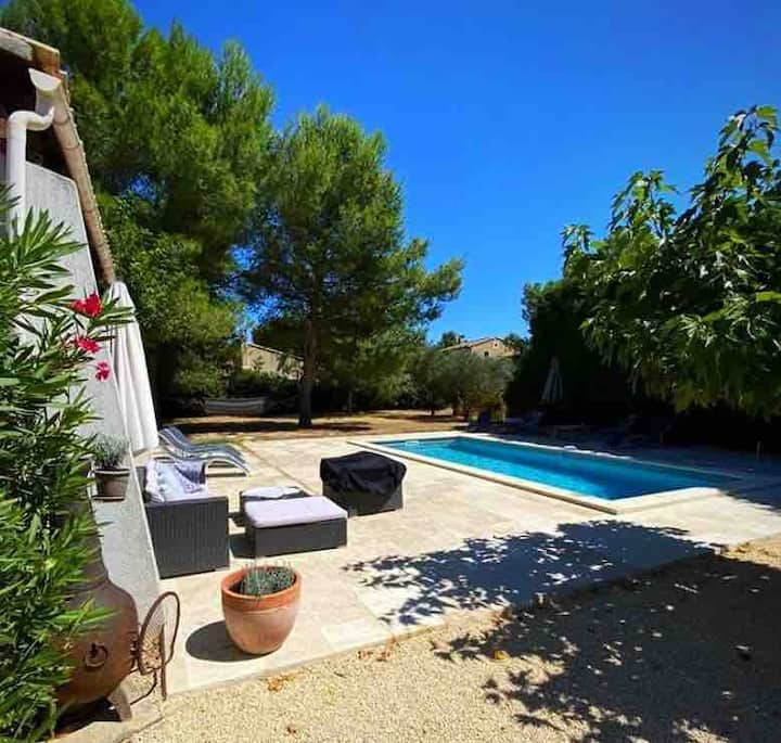 Fabulous private villa heart of Provence with pool