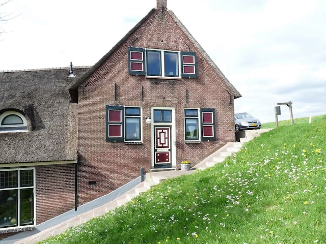 B&B Op de Lekdijk in boerderij - Nieuw-Lekkerland - Pousada