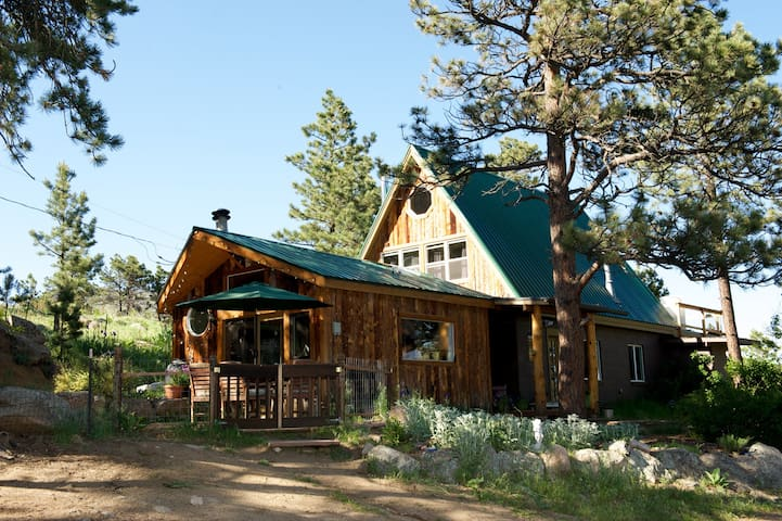 Magical Mtn. Home/ 10 mns to town - Boulder - Huis