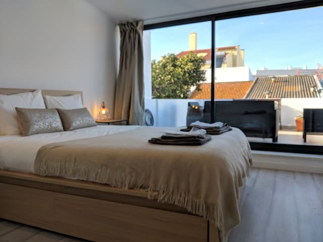 Modern 2 Bedroom house 20min from Lisbon