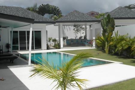 Luminous and quiet villa 4 bedr