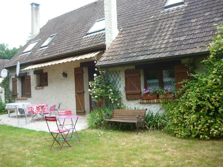 2 chambres dans maison milly maisons louer milly for Odeurs d egouts dans la maison