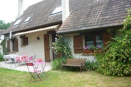 2 chambres dans maison à Milly - Milly-la-Forêt
