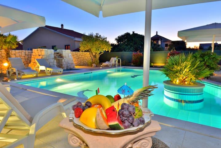 Luxury villas with pool Zadar Croat - Zadar - Villa