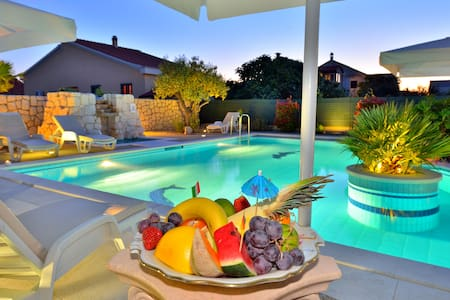 Luxury villas with pool Zadar Croat - Zadar