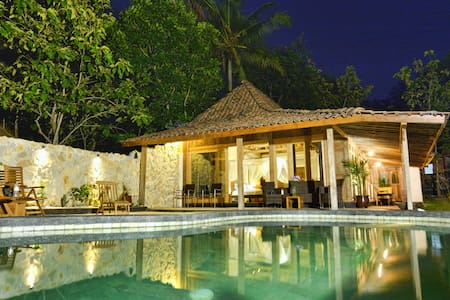 Villa Blue Steps, private villa with stunning view - Kasihan - Villa