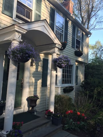 Charming ,warm and inviting home - Westport - Penzion (B&B)