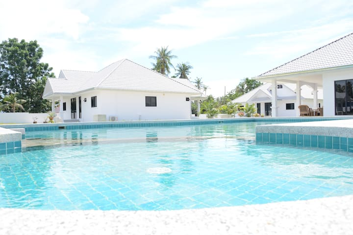 Mango Beach Resort Villa