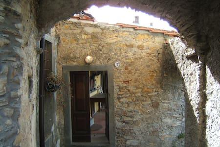 Stanza 3 letti in Toscana,Lunigiana - Cattognano - Talo