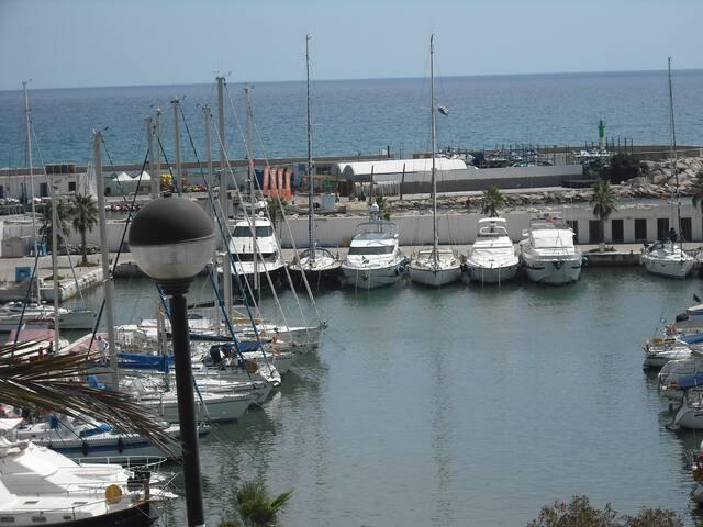 Alrededores - Puerto Deportivo