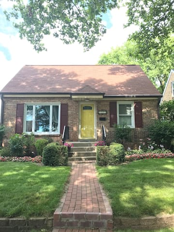 AVL-Entire Home-MKE/Tosa (Hart Park)