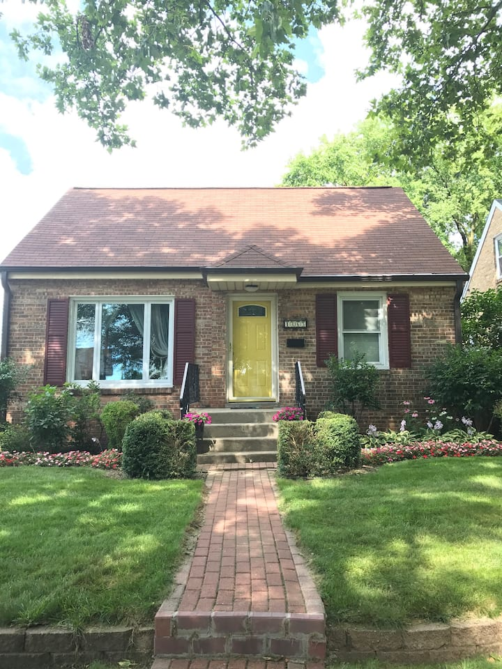 AVL-Entire Home-MKE/Tosa (Hart Park area)