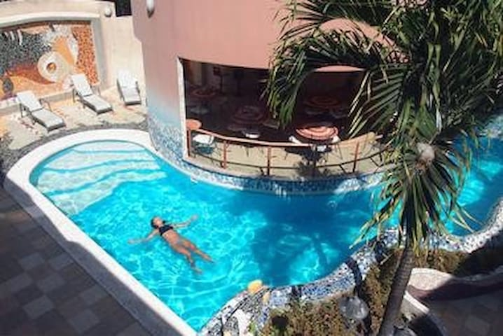 KATARMA HOTEL - Super King Deluxe 1BD Apartment