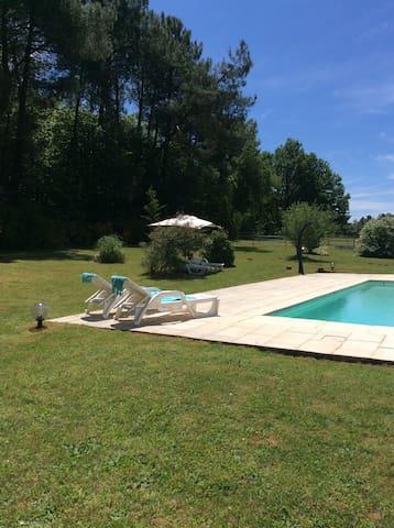 Spacious Gite in southern Dordogne - Villefranche du Perigord - Rumah