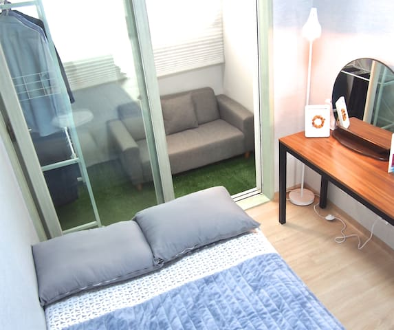 Cozy private room in flat,5mins from Subway,Suwon - Yeongtong-gu, Suwon-si - Leilighet