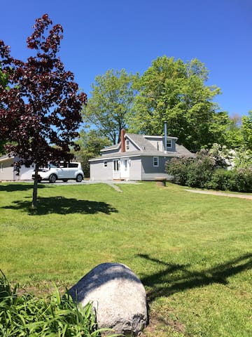 Elmsdale, NS- 10 mins from Halifax Airport