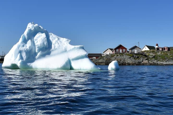 An Atlantic Ocean Retreat - Waterside Cottage #4