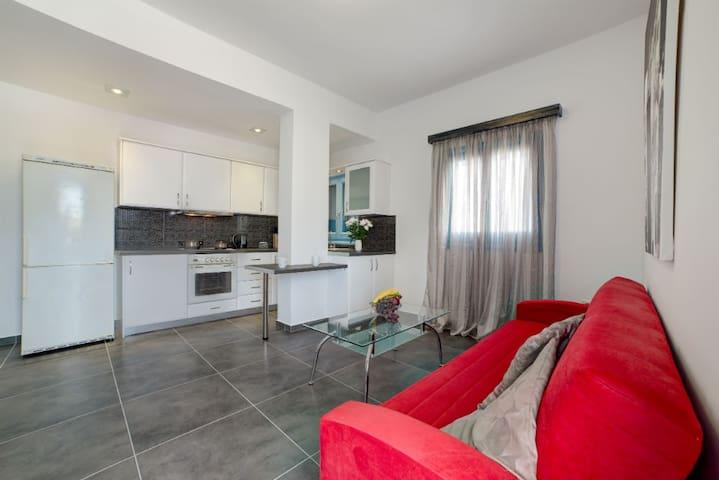 Adelphi Apartment 2 - Perissa - Flat