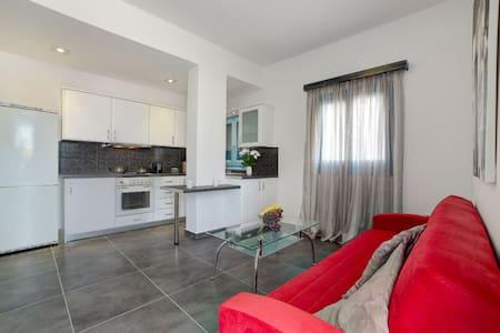 Adelphi Apartment 2 - Perissa