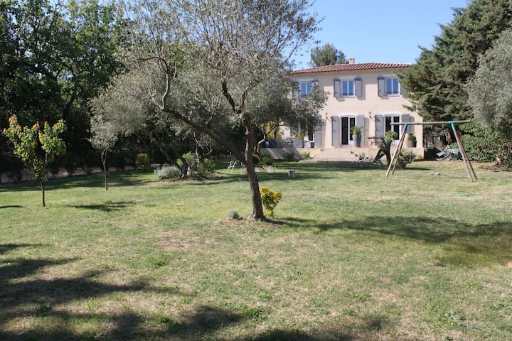 Maison à la campagne proche d'uzes - Saint-Laurent-la-Vernède - House