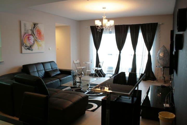 Luxurious One Bedroom Apartment in Amwaj Islands