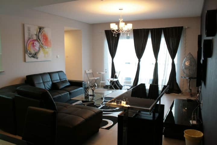 Luxurious One Bedroom Apartment in Amwaj Islands
