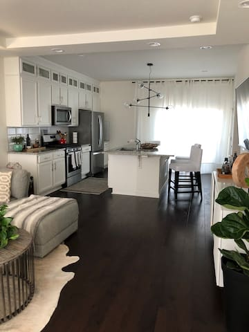 comfy crash pad near airport and light rail
