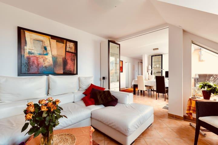 Gemütliches Zimmer / Cosy Bedroom   great location
